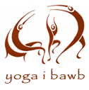 Yoga i Bawb logo - people stretching